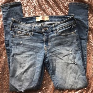 Distressed Hollister Skinny Jeans 1S